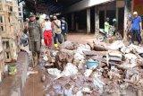 Jaringan listrik dan air bersih berangsur pulih di Bantaeng