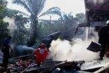 Pesawat TNI AU jatuh di rumah warga, lokasi telah diblokade personel TNI AU