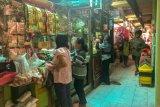 Pasar tradisional  di Kota Yogyakarta rutin disemprot disinfektan