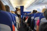 Cara aman naik pesawat saat normal baru