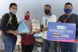 XL Axiata bagikan sembako buat warga terdampak COVID-19 di Bandarlampung