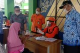 Staf Ahli Mensos meninjau penyaluran BST Tahap II di Sleman