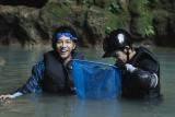Lee Seung-gi dan Jasper Liu mampir ke Gua Jomblang hingga Prambanan