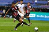 Andre Silva lanjutkan catatan impresif saat Frankfurt tekuk Schalke