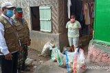Gugus tugas Baubau distribusikan sembako ke rumah pasien terpapar COVID-19