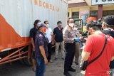 Polisi amankan mobil berlogo Pos Indonesia membawa daging celeng