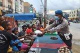 Polresta Jayapura Kota salurkan makanan siap saji