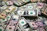 Dolar menguat saat kekhawatiran atas virus corona meningkat lagi