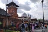 Wisatawan padati Menara Kudus dengan mengikuti protokol kesehatan