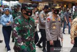 Kapolri dan Panglima TNI kunjungi pasar dan mal di Kota Semarang