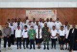 Panitia pengawas pilkada serentak distrik Makimi dilantik