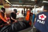 Perahu motor terbalik dua orang meninggal