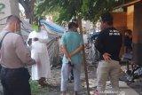 Seorang pasien COVID-19 di Palu kabur karena kepikiran istri hamil dan anak