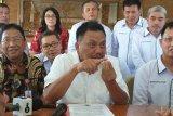 Gubernur Olly harapkan Balit Palma kembangkan bibit kelapa unggul