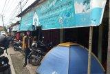 Usaha sewa perlengkapan perkemahan kembali beroperasi pada masa kenormalan baru di Padang