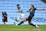 Dua pemain Manchester City positif COVID-19