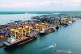 Pemerintah tanggung bea masuk barang dan bahan sektor industri