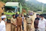 Jalan rusak di Lareh Sago Halaban, Gubernur minta penambang Galian C tanggung jawab