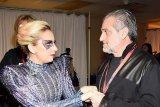 Lady Gaga kirim sekotak Oreo unutk ayahnya di hari spesial