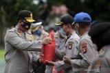 Polda Gorontalo salurkan ribuan paket bantuan sosial