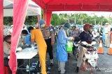 Personel Polda Sulawesi Tenggara jalani tes cepat COVID-19