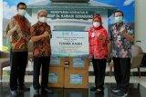 Setelah Sumatera, BCA serahkan bantuan ke Jawa Tengah & Yogyakarta