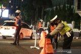 Pemkot Bandung menutup sejumlah ruas jalan raya di malam hari