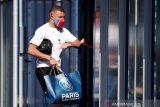 Kylian Mbappe bertahan di PSG musim depan