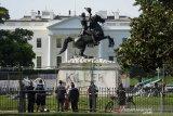 Trump tetap berada di Washington untuk melindungi ketertiban