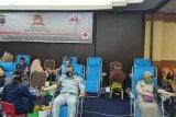 Puluhan karyawan Jasa Raharja Riau donorkan darah sambut HUT  Bhayangkara ke 74