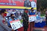 Kado SIM gratis bagi ratusan warga Sultra kelahiran 1 Juli