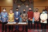 Pemkab Bantaeng teken MoU dengan PT KIMA