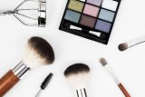 Cara aman gunakan kosmetik selama pandemi corona