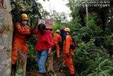 SAR Palopo evakuasi korban longsor di Desa Battang Palopo
