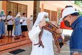 Pemerintah NTT distribusi bantuan beras bagi lembaga keagamaan