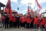 PDIP Minahasa Tenggara gelar demo terkait pembakaran bendera partai