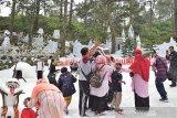 Pengunjung objek wisata di Lawu Park Karanganyar terus meningkat