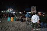 Demonstrasi penolakan TKA menjadi tontonan warga Desa Ambaipua