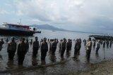 Polda Sulawesi Utara gelar kenaikan pangkat di laut