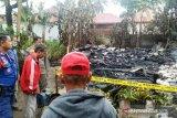 Dua rumah papan di Payakumbuh terbakar, lima unit Damkar dikerahkan
