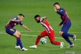 Barcelona gagal kembali ke puncak klasemen