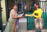 Relawan COVID-19 UNS edukasi warga tentang hidup sehat  di Batam