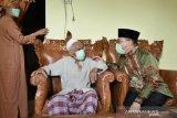 Gubernur Babel silaturahmi ke rumah ulama Usman Fathan