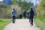Bersepeda di masa normal baru, gaya atau demi cegah COVID-19?