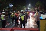 Sejumlah ruas jalan di Sidoarjo tutup saat pemberlakuan jam malam