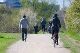 Bersepeda di masa normal baru, sekedar gaya atau demi cegah virus COVID-19?