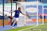 Leicester City menundukkan Crystal Palace 3-0
