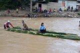 Dua jembatan di Suwawa Timur hanyut diterjang banjir bandang