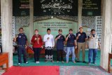 Wagub Lampung-Komunitas Suzuki Katana Jimny bagikan sembako untuk ponpes