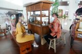 Putri Indonesia 2020 Ayu Maulida apresiasi keberadaan gerai UMKM